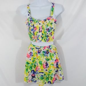 Paper Crane 2 Piece Outfit Size Small